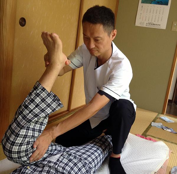 『動かす』ことを目的とした施術で関節の拘縮や筋肉の拘縮の改善を目指します。