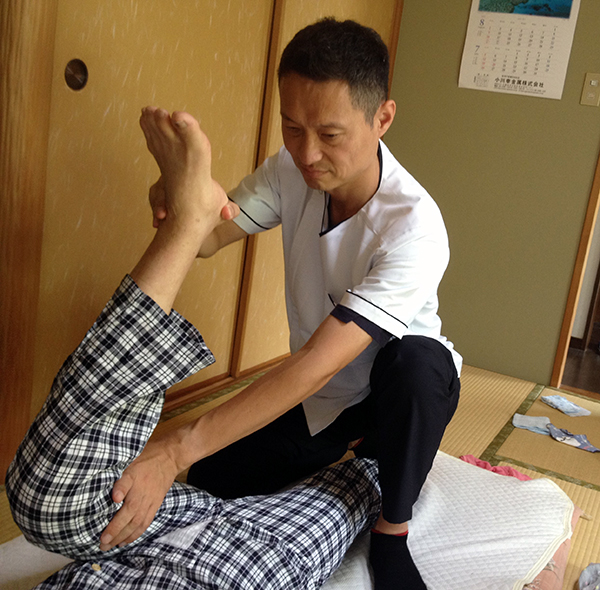 身体の機能維持の唯一の方法は『動かす』こと!当院の施術は徹底的に動かすことで機能改善をはかります。
